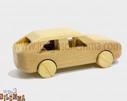 Automóvil en madera
